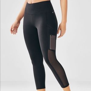 Fabletics || High Waisted Mesh Power Hold Capri